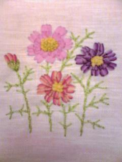 リボン刺繍のコスモス