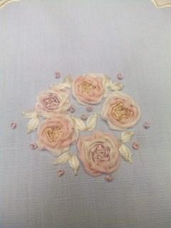 リボン刺繍のバラ