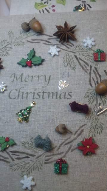 クリスマスリースのチャーム